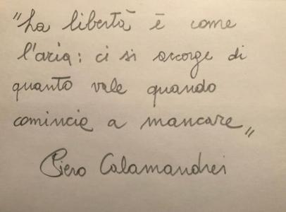 il biglietto con le parole del padre costituente Piero Calamandrei