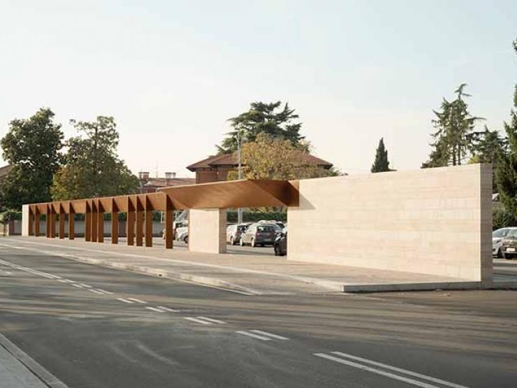 il parcheggio dell'ex cinema che verrà intitolato a Romeo Bosetti