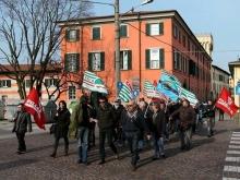 I dipendenti Piceni manifstano per le strade di Chiari